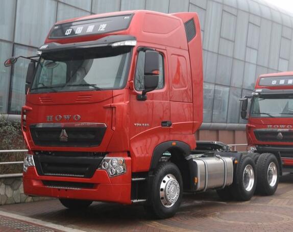 中国重汽 HOWO T7H重卡  540马力 6X4牵引车(ZZ4257W32