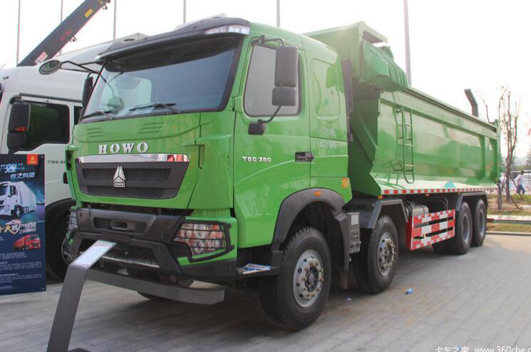 中国重汽HOWO T6G 380马力 8X4 渣土自卸车(ZZ3317N386